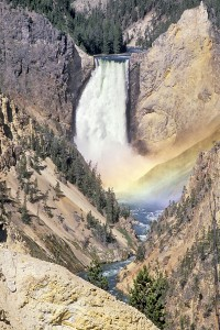wy-yellowstone-np-lower-falls-v